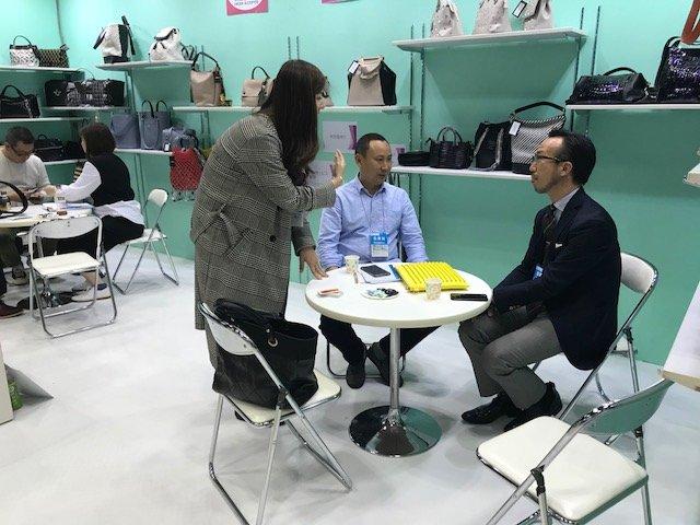 BELLA-April, 2018 Fashion World Tokyo 2018 | Suede Handbags-3