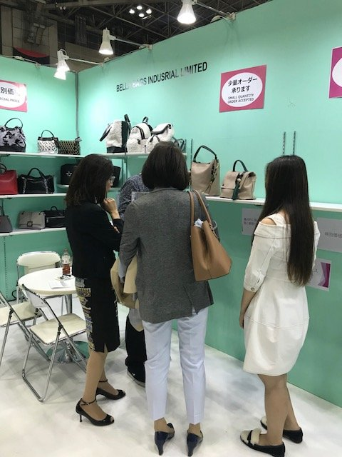 BELLA-April, 2018 Fashion World Tokyo 2018 | Suede Handbags-7