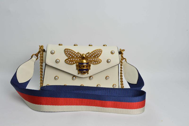 White handbag with Bee Pattern BE-4744