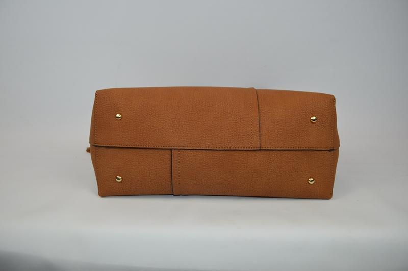 Brown shoulder bag BE-4573