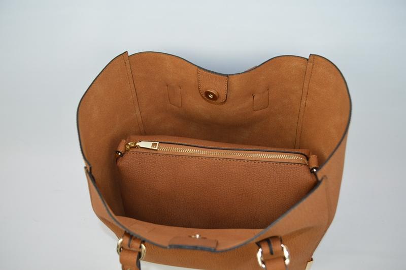 Brown shoulder bag BE-4576