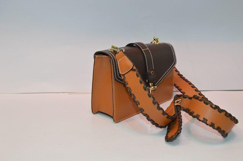 Brown leather cross body bag BE-4500