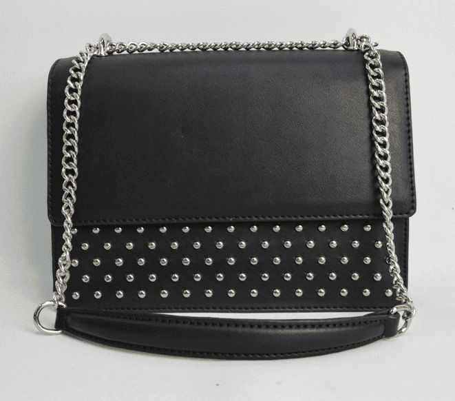 Black handbag with silver chain BE-4720